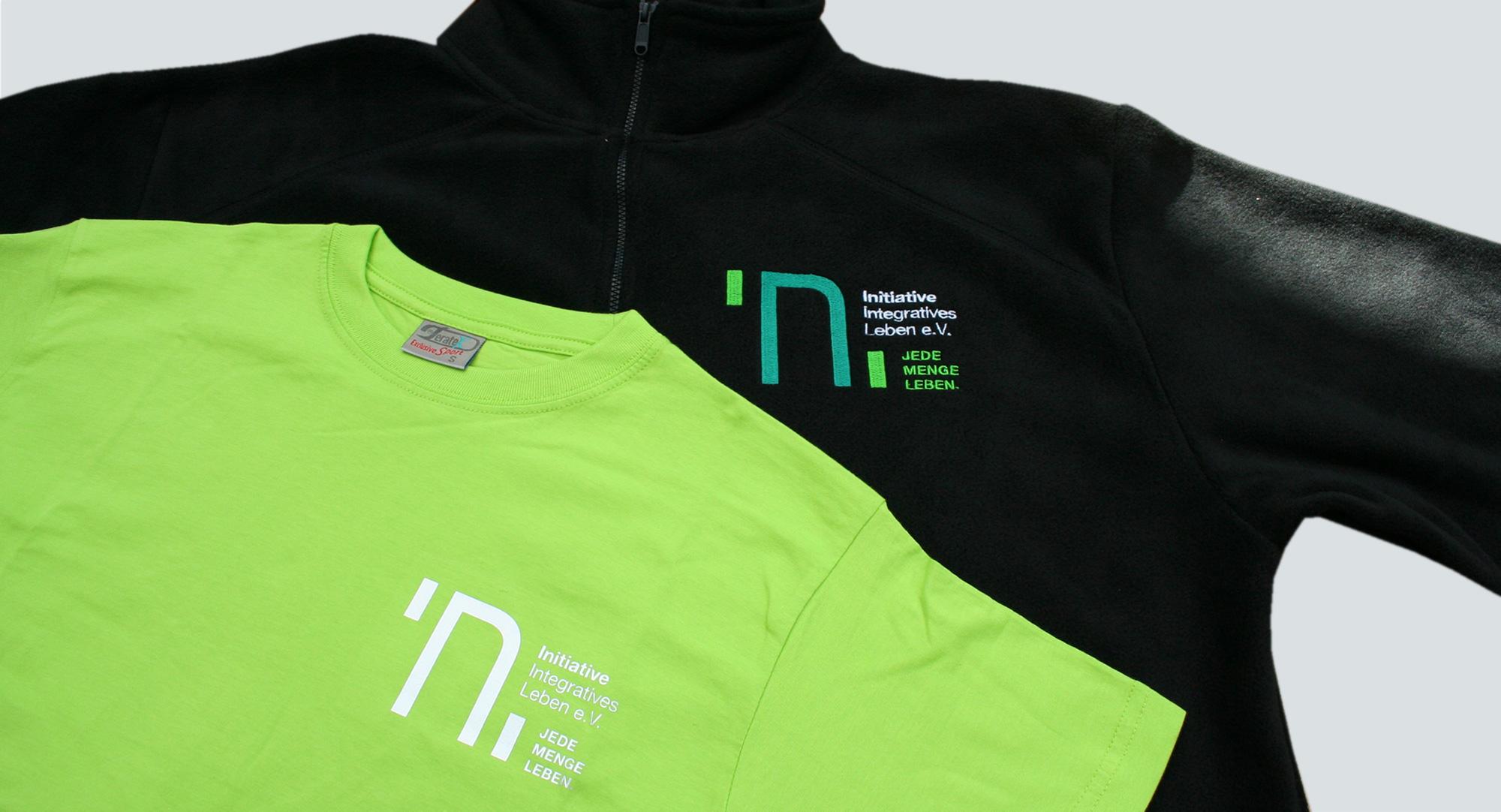 INI Sonsbeck – T-Shirt bedruckt & Fleecejacke bestickt